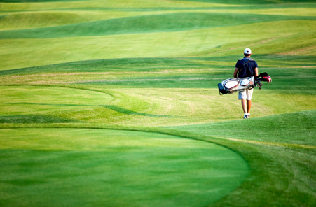 Semelles confortables pour golfeurs.