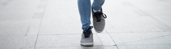 Porter des semelles orthopediques dans ses chaussures